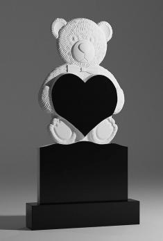 Памятник Мишка с сердцем